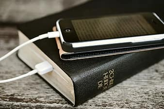 bible-iphone-mobile-phone-read-read-online-holy-scripture-christian-faith-download-electronic-mail-thumbnail